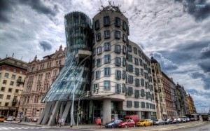 the-dancing-house-prague-12114-1920x1200